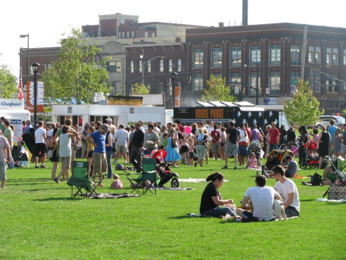 columbus commons food trucks